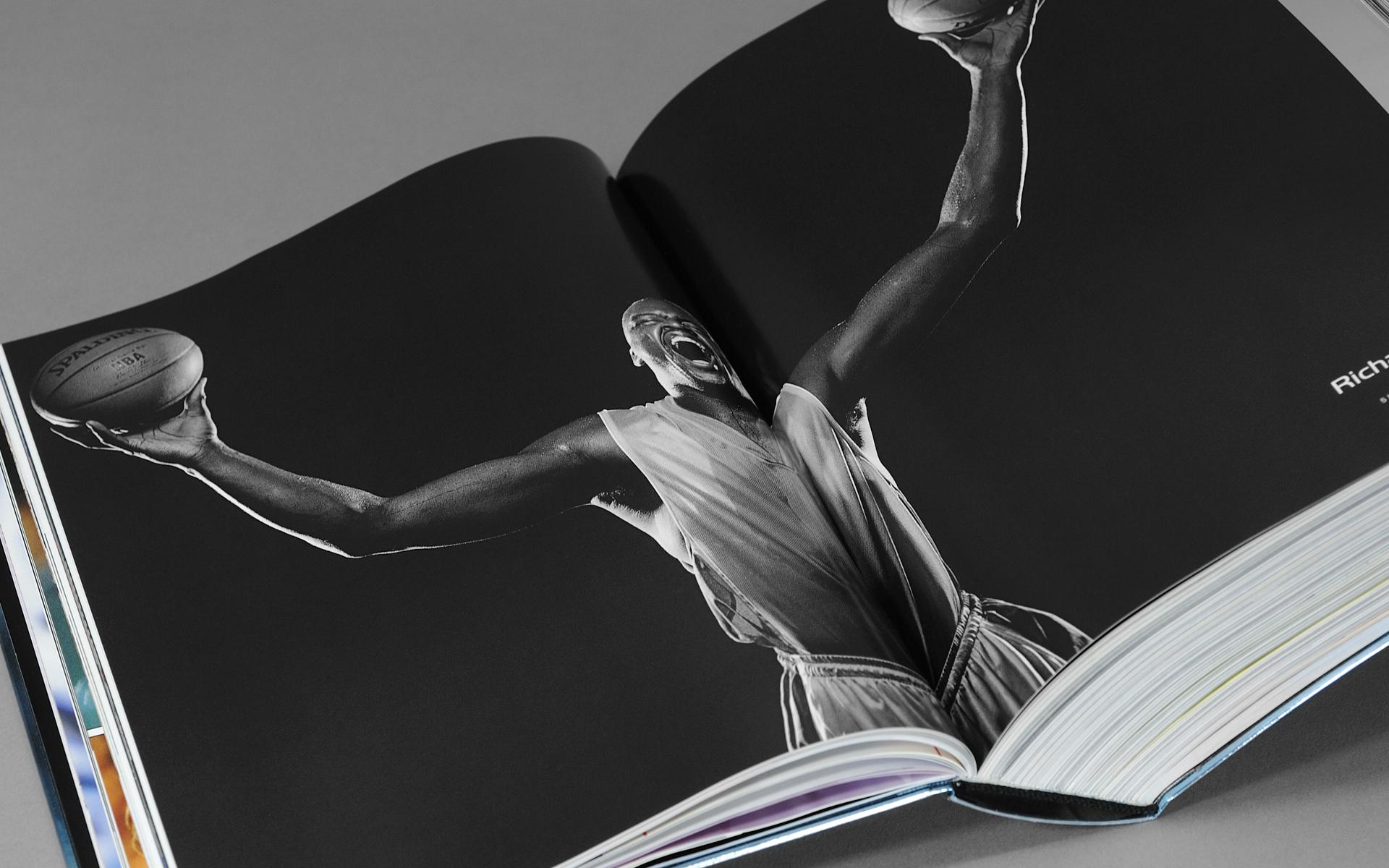 Black-Book_Spread_08